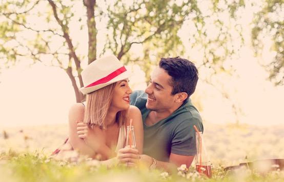 【男性心理】男性が本気で好きになった女性にとる行動の変化4選